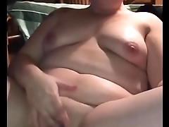 Chubby Amateur Carrying-on with her Chubby Pussy