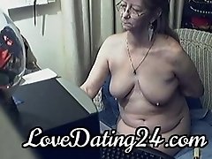 Lovely granny with glasses 8 - LoveDating24.com