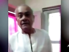 Leaked MMS Mating Video of N P Dubey Jabalpur Ex Mayor Having Mating - YouTube (360p)