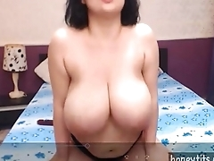 amazing big boobed cutie mamma fucking dildo with lotion more in the sky honeytits.com