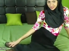 Real Hijab Arab Egypt Masturbates Her Creamy Arabic Pussy On Webcam