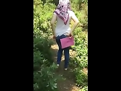 Turkish Turbanli Girl Shows Ass