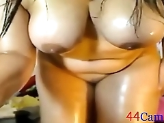 Amateur mom masturbate on webcam by 44cams.com