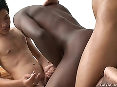 Asian Twinks Piss and Fuck Threeesome